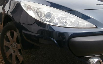 peugeot 307 repaired after damage